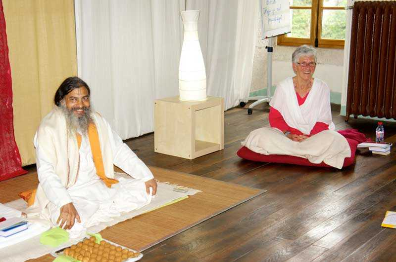 Babaji Bhakti Yoga Artikel Stolz